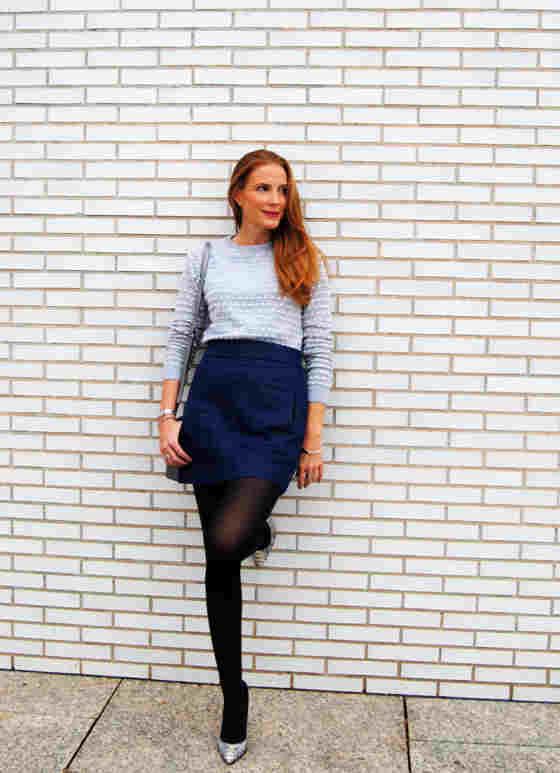 b634497692 ▷ Ideas de   Outfit Azul Marino  para  Falda