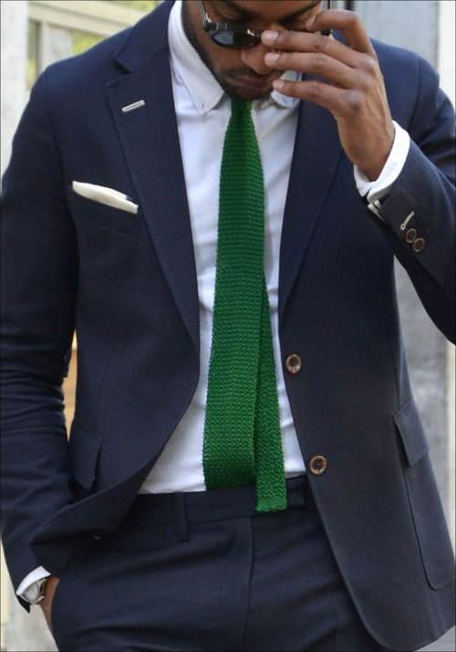 azul marino con verde hombre
