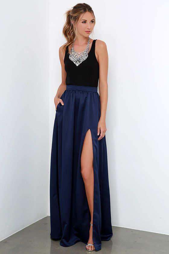 combinar falda azul marino de fiesta