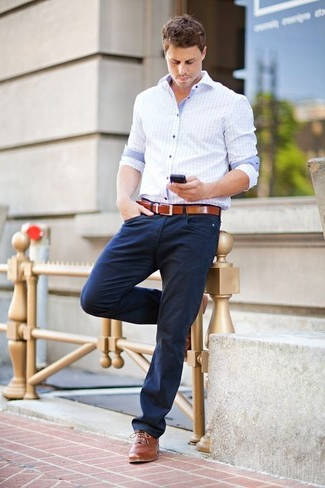 C mo combinar un pantal n azul marino de vestir - Combinar color marron ...