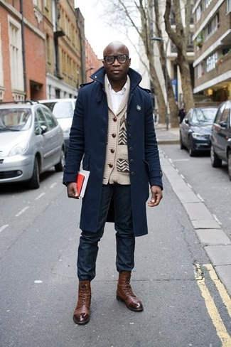 como combinar chaqueta azul marino hombre