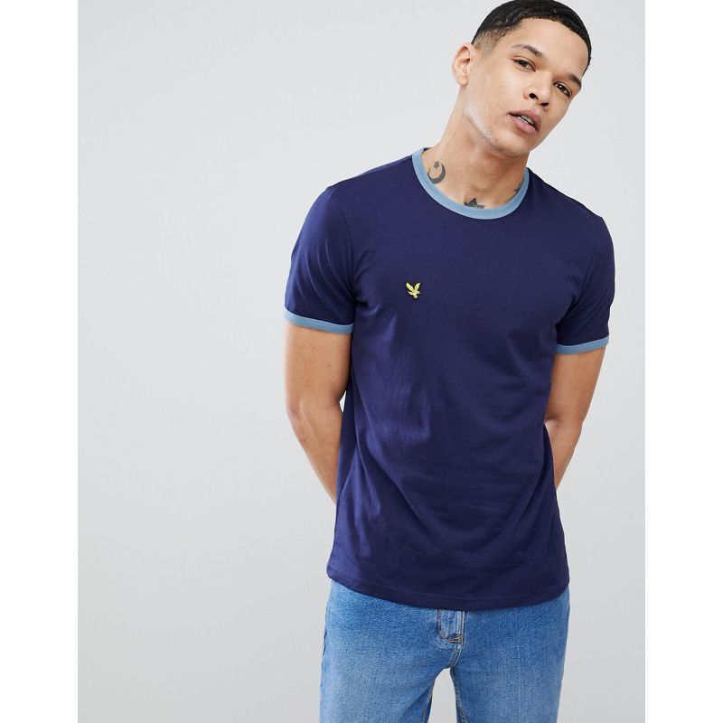 como combinar una camiseta azul marino hombre