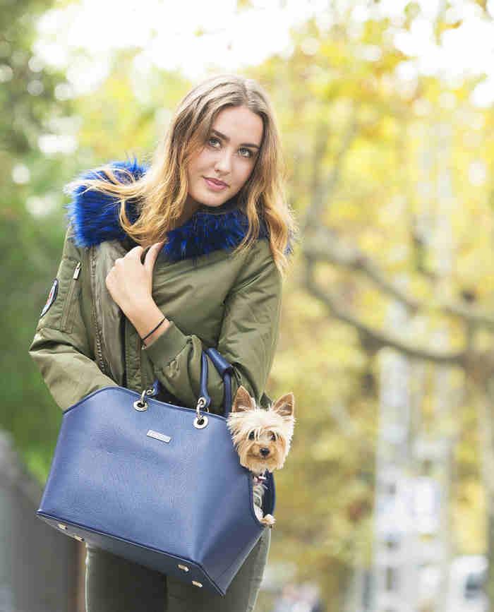outfit bolsos azul marino